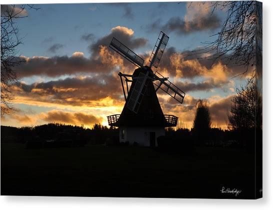 Sunset Over Oak Harbor Windmill Canvas Print by Pam Headridge