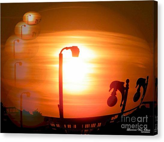 Sunsetzies Canvas Print by Laurence Oliver
