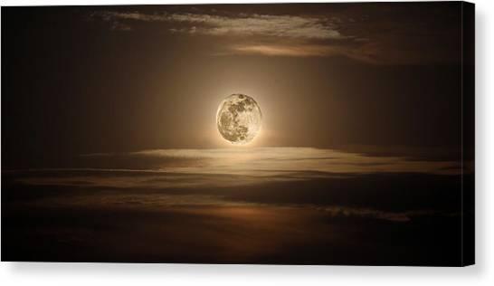 Super Moon Of 2012 Canvas Print