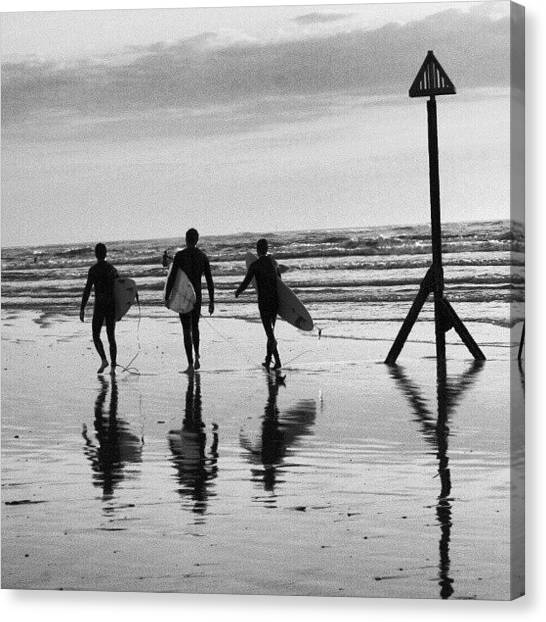 Surfing Canvas Print - Surfers At The Witterings by Phil De Montjoie Heard