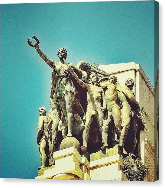 World War Ii Canvas Print - Taranto - Victory Square - Wwii Memorial by Chi ha paura del buio NextSolarStorm Project