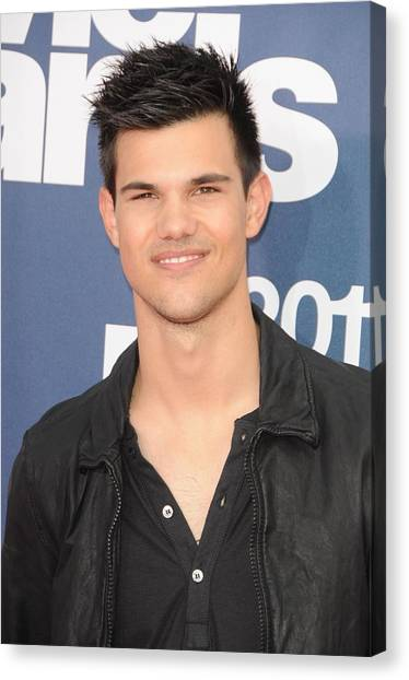 The Amphitheatre Canvas Print - Taylor Lautner At Arrivals For The 20th by Everett