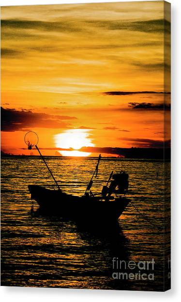 Thai Sunset Canvas Print by Inhar Mutiozabal