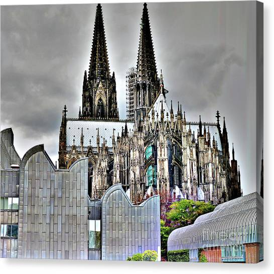 The Cathedral In Cologne On The Rhine Canvas Print