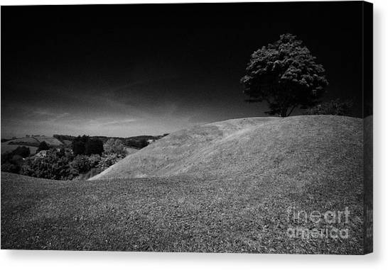 The Mound Of Down Downpatrick County Down Northern Ireland Canvas Print by Joe Fox
