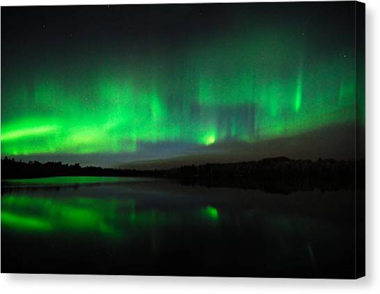 Tofte Lake Aurora Canvas Print