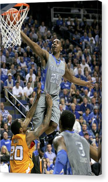 University Of Kentucky Canvas Print - Uk V Ut - 11 by Mark Boxley