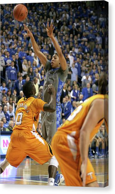 University Of Kentucky Canvas Print - Uk V Ut - 14 by Mark Boxley