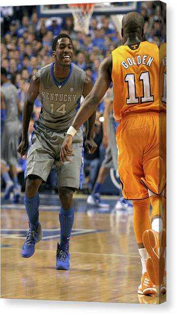 University Of Kentucky Canvas Print - Uk V. Ut - 15 by Mark Boxley
