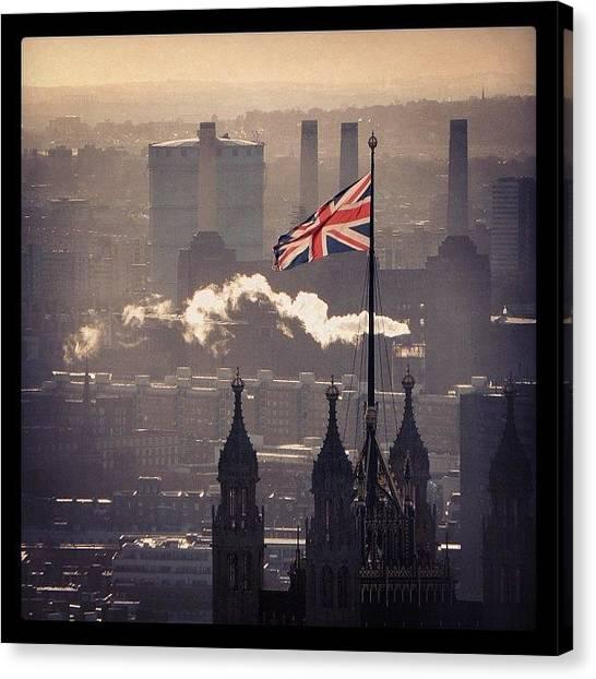 United Kingdom Canvas Print - Union Jack by Chi ha paura del buio NextSolarStorm Project