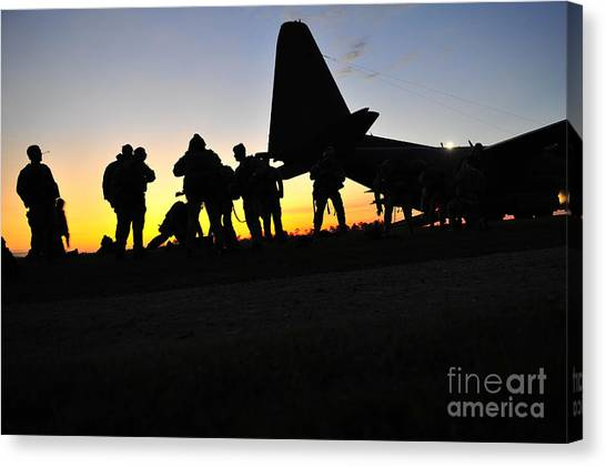 Green Berets Canvas Print - U.s. Special Forces Soldiers Prepare by Stocktrek Images