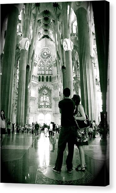 Canvas Print featuring the photograph Vintage Sagrada by HweeYen Ong