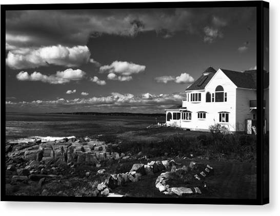 White House At Nuble Canvas Print