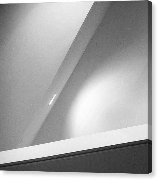 Triangles Canvas Print - Więcej Kąt Pola I Przejście Do by Bob Van Nunen