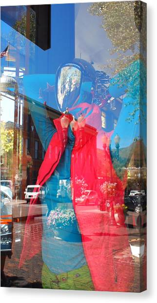 Window Shopping In Aspen Canvas Print