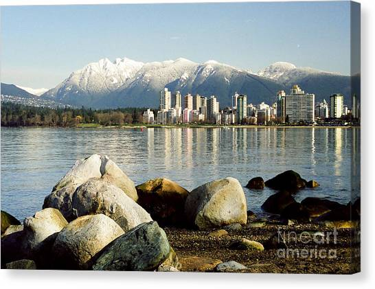 Winter Cityscape Canvas Print by Frank Townsley