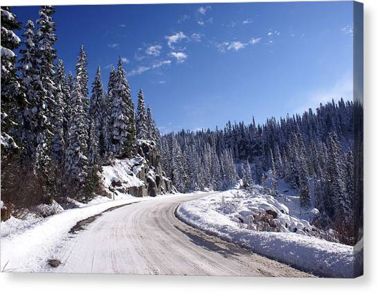 Winter On Chinnook Pass Canvas Print