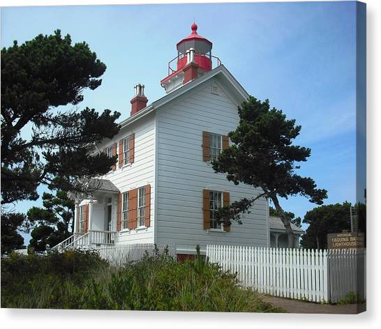 Yaquina Bay Lighthouse Newport Canvas Print