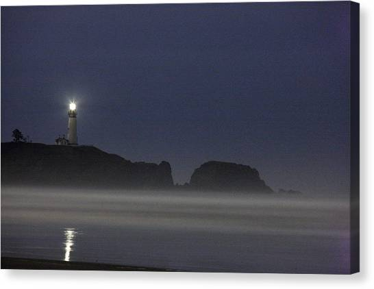 Canvas Print - Yaquina Lighthouse At Night by Larry Robinson