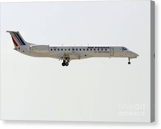 Air France Regional Airlines Embraer Erj-145eu - F-grgl  Canvas Print