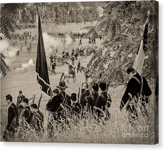 Gettysburg Union Artillery And Infantry 7459s Canvas Print