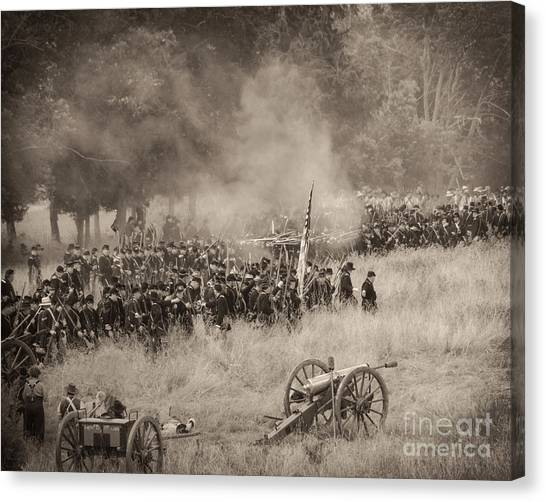Gettysburg Union Artillery And Infantry 8456s Canvas Print