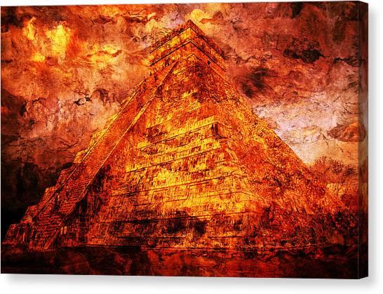 C H I C H E N  .  I T Z A .  Pyramid Canvas Print