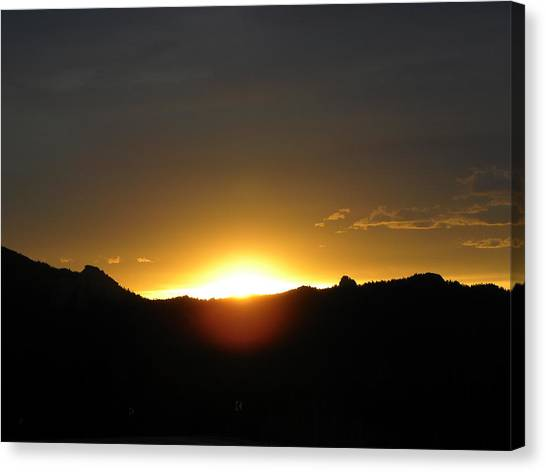 Sunrise West Side Of Rmnp Co Canvas Print