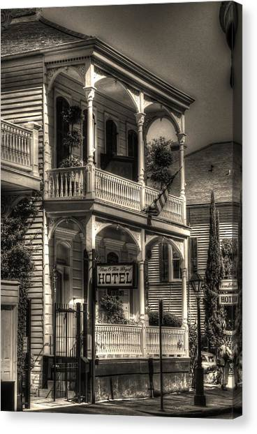 905 Royal Hotel Canvas Print