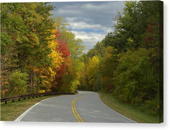 Cherohala Skyway In Autumn Color Canvas Print by Darrell Young
