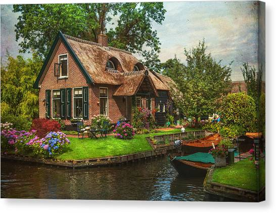 Fairytale House. Giethoorn. Venice Of The North Canvas Print