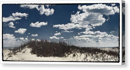 Hunting Island Beach Canvas Print by Robert Fawcett