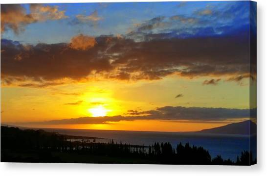 Maui Sunset At The Plantation House Canvas Print