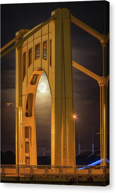 Roberto Clemente Canvas Print - Arch Of Clemente  by Emmanuel Panagiotakis