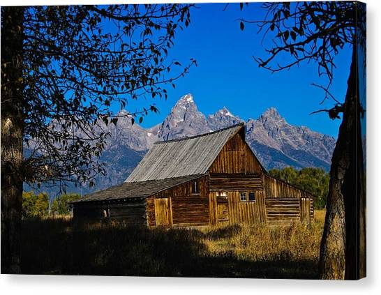 Canvas Print featuring the photograph Moulton Barn by Norman Hall