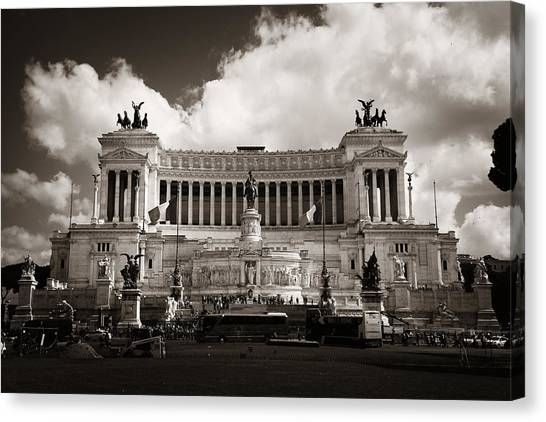 National Monument To Victor Emmanuel II  Canvas Print by Songquan Deng