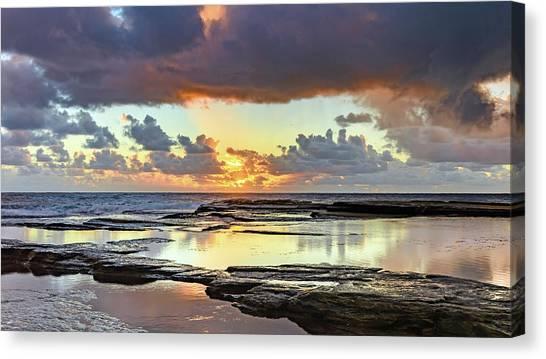 Overcast And Cloudy Sunrise Seascape Canvas Print