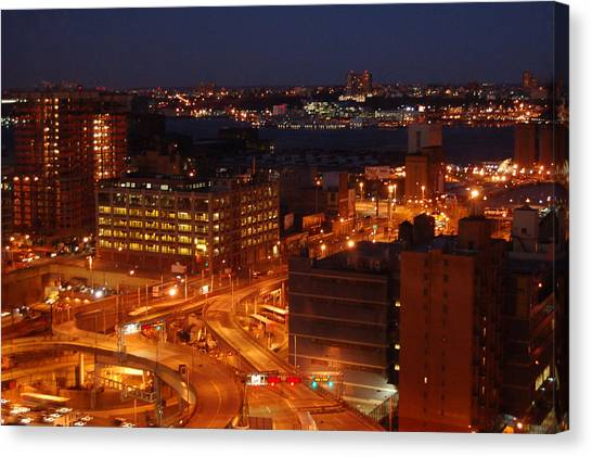 Canvas Print - Overlooking The Hudson River From 42nd Street II by Susan Heller