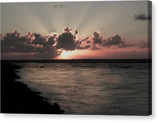 Por-do-sol Canvas Print by Marcos Paiva