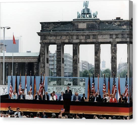 Berlin Wall Canvas Print - Ronald Reagan. President Reagan Giving by Everett
