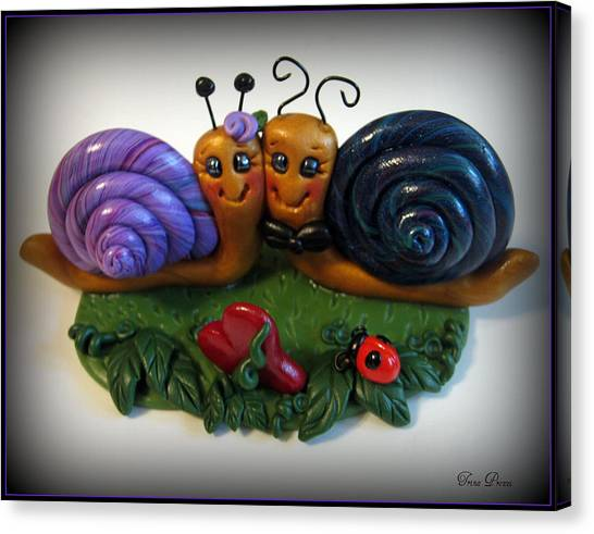 Snails In Love Canvas Print by Trina Prenzi