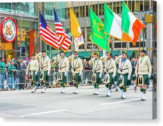 St. Patrick Day Parade In New York Canvas Print