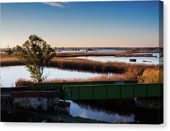 Sunrise In The Ditch Burlamacca Canvas Print