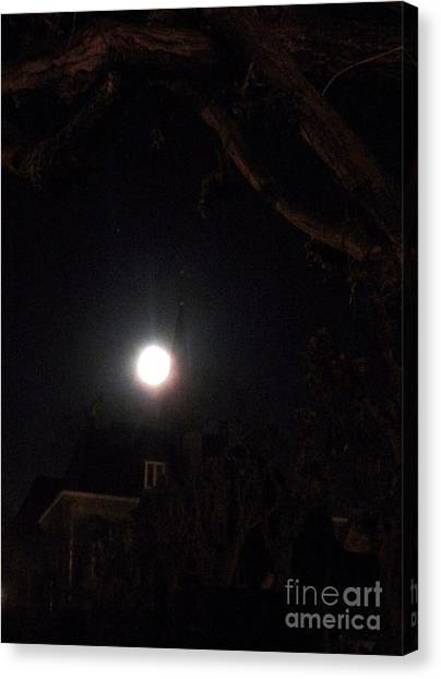 Super Moon 03.19.2011 Canvas Print by Valia Bradshaw
