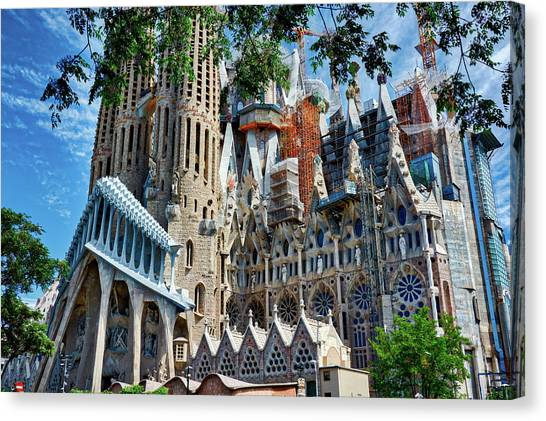 The Expiatory Temple Of The Holy Family Canvas Print