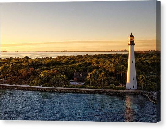 Canvas Print featuring the photograph The Miami Lighthouse by Lars Lentz