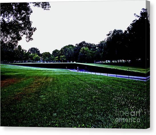 Tranquility At Sunrise  Vietnam Memorial Canvas Print