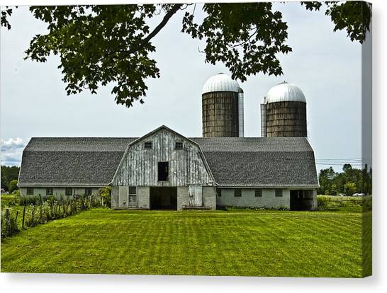 Vienna Barn 2 Canvas Print by Pat Carosone