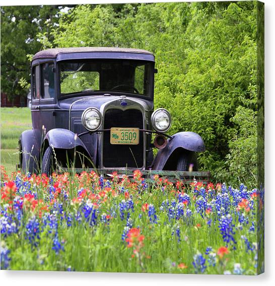 Canvas Print featuring the photograph Vintage Model T Ford Automobile by Robert Bellomy