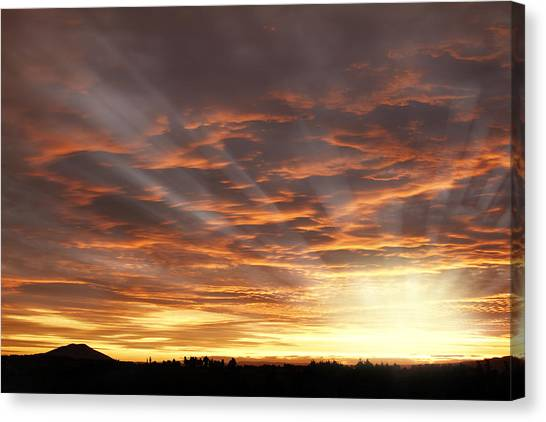 Sunset Horizon Canvas Print - Sunset by Les Cunliffe